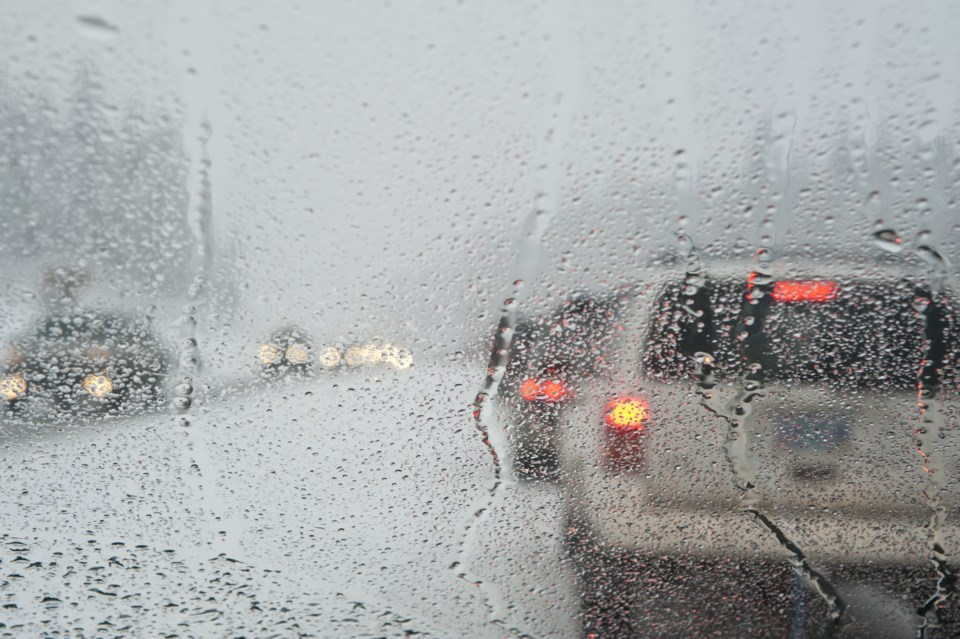 010819-rain snow mix AdobeStock_28210423