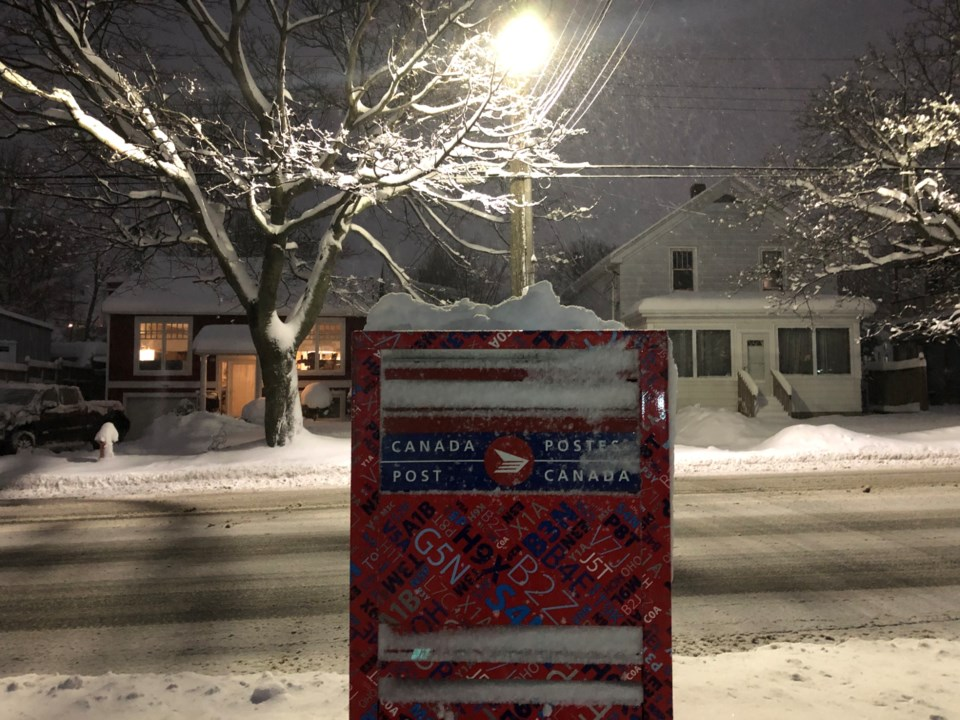 010920- canada post - snow - winter - red alert - yellow alert - no mail delivery -IMG_4983