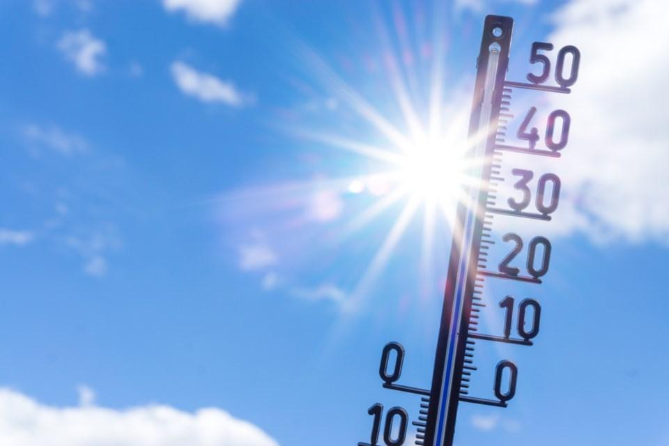 071019-heat wave-heat warning-hot-sun-temperatures-AdobeStock_213414276