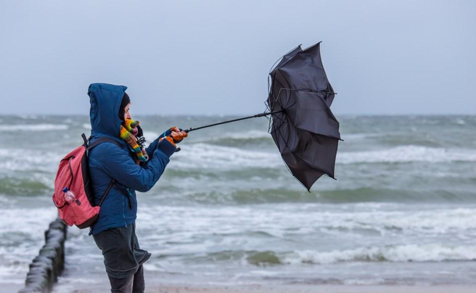 101619-wind-storm-rain-weather bomb-AdobeStock_229900371