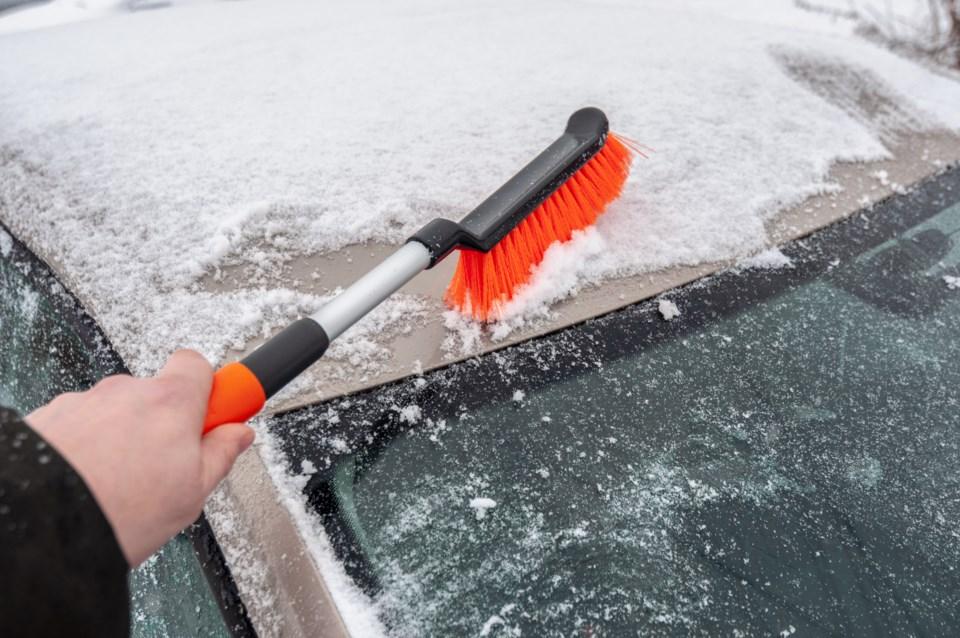 110719-flurries - light snow - snow brush - clear windows