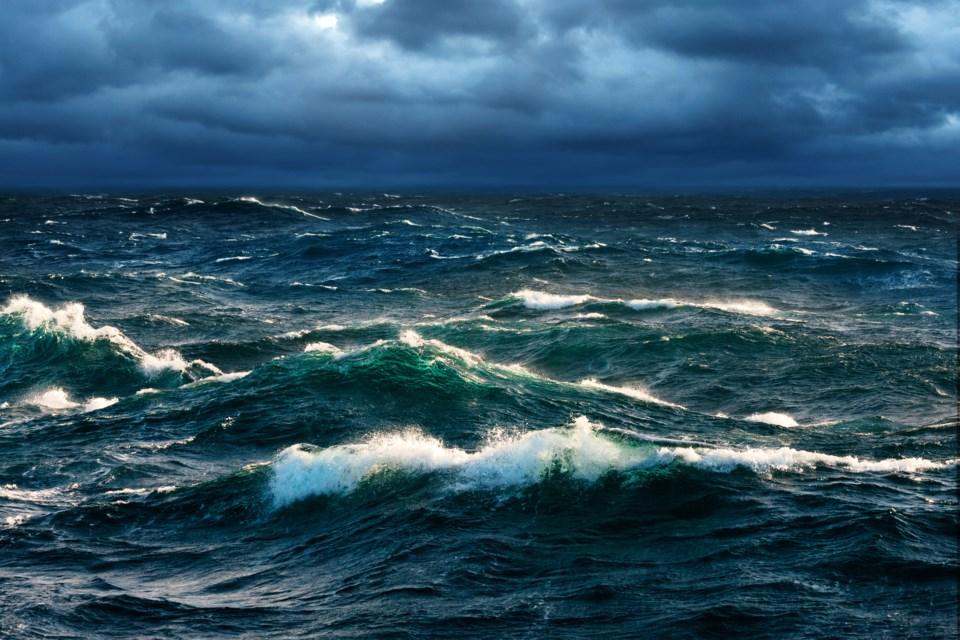 122117-rough seas-AdobeStock_95330170