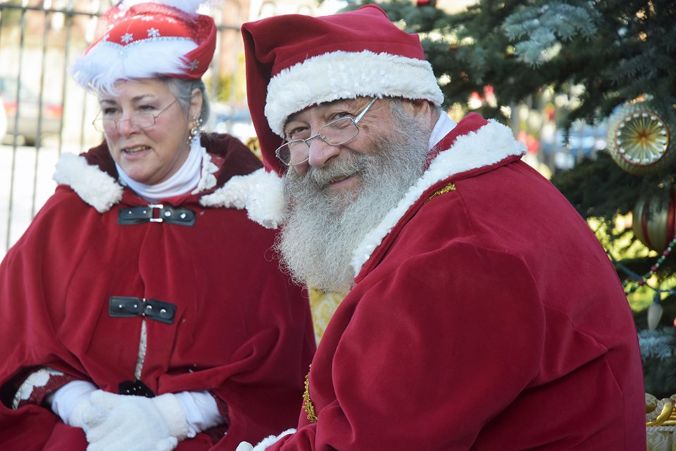 Santa and Mrs. Claus brought the holiday spirit to Cookstown. Miriam King for Innisfil Today