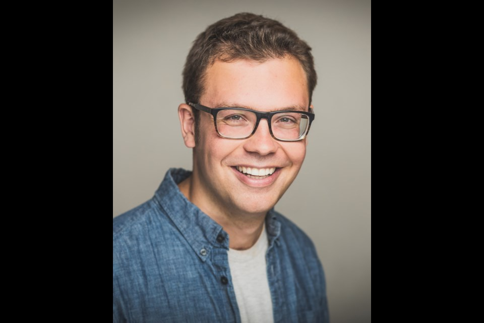 Griffin Toplitsky is the host of a weekly true crime podcast that is completely improvised and unrehearsed called 'Killed to Death'.