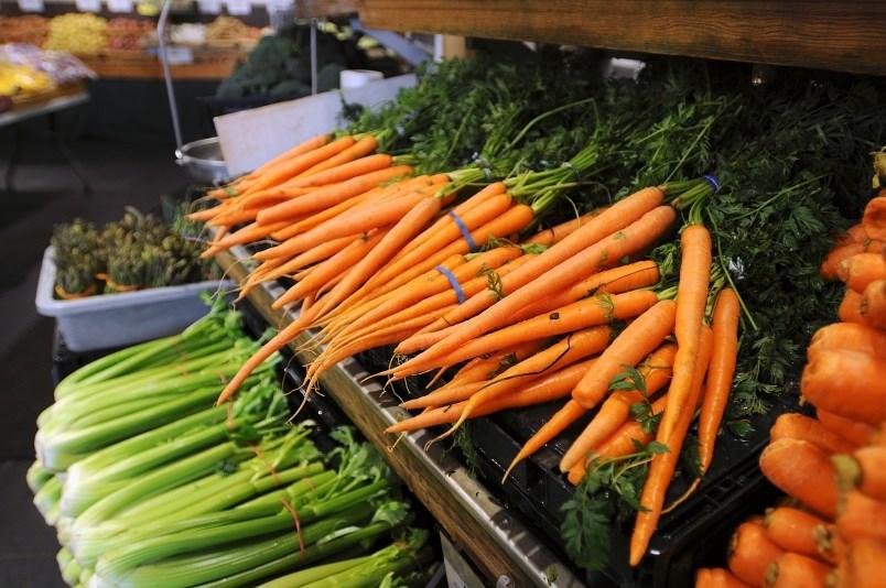 food-produce-carrots