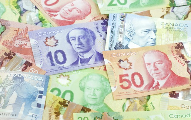 canadian-money-shown