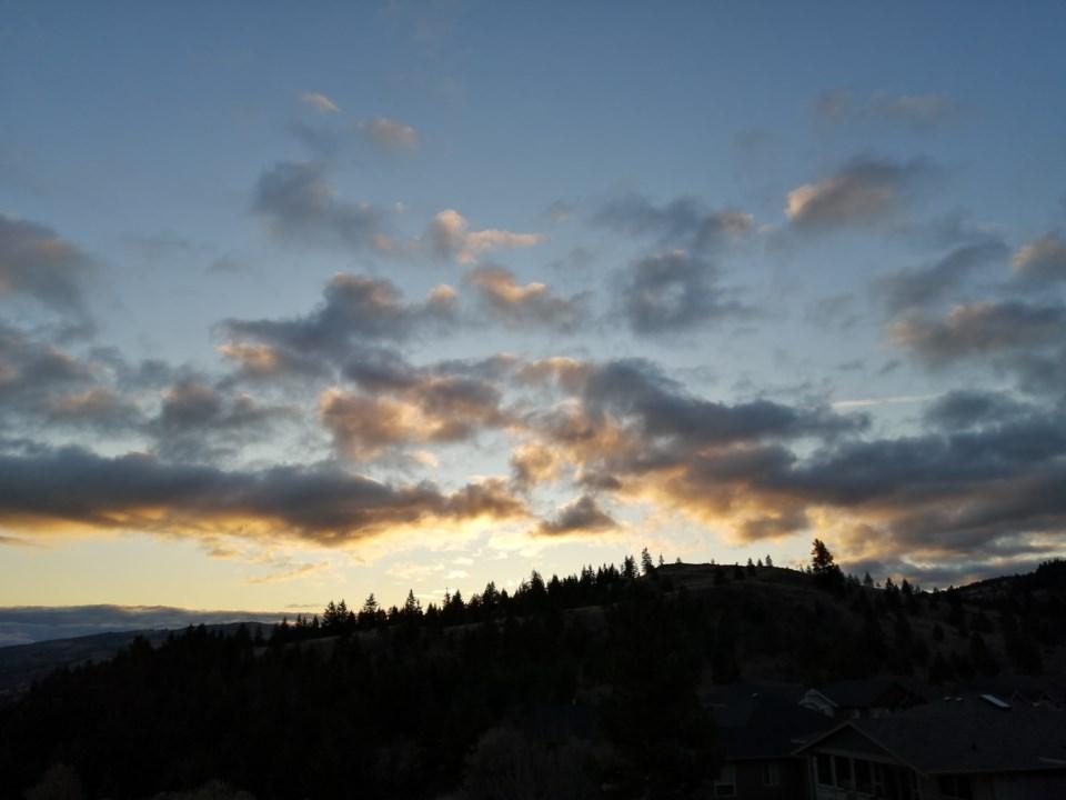 karen-bell-kamloops-sunrise-november