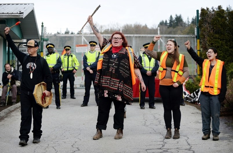 pipeline-protest-kinder-morgan