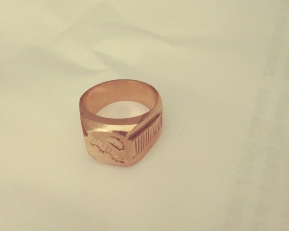 Fake ring