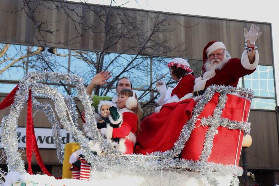 Oh hey, Santa. (via Eric Thompson)