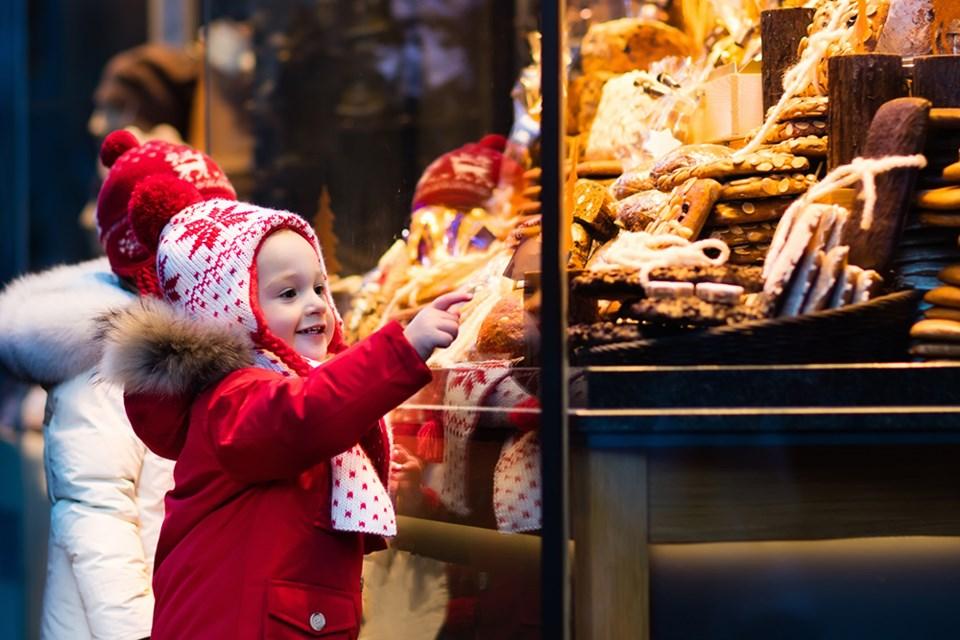 PGM-Christmas2019-Marketplace-StandOUT-Image