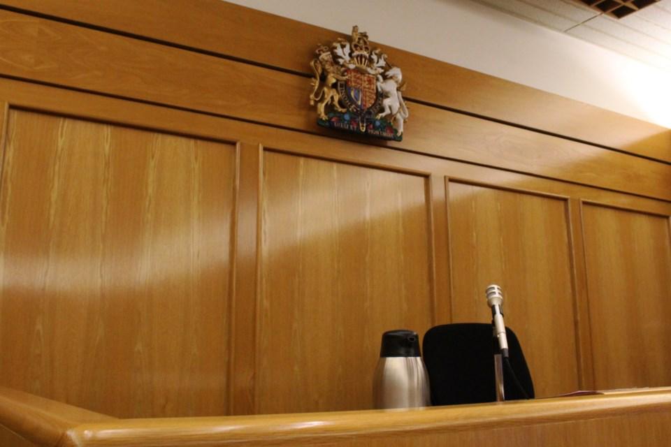 Judge chair
