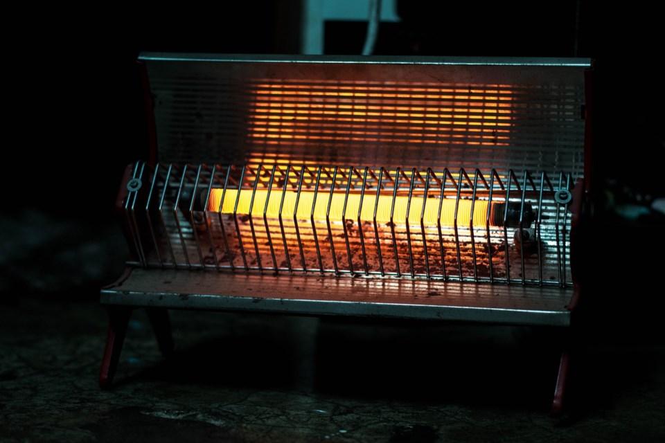 room-heater-1290546_1920