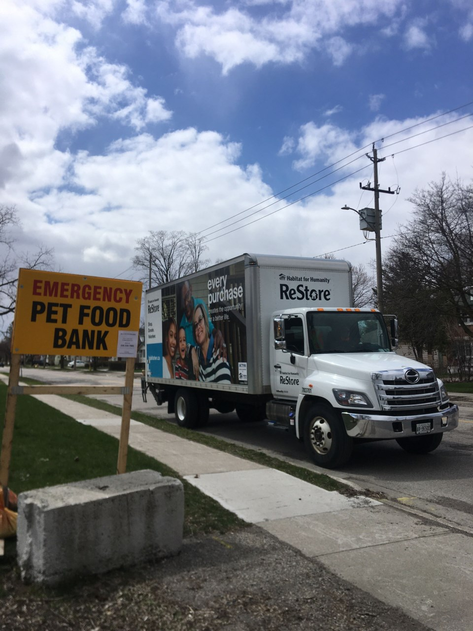 Habitat for Humanity pet food delivery