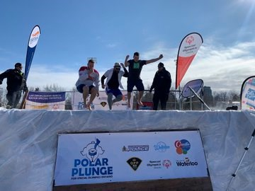 Members from 570 NEWS and Country 106.7 announcer Ryan Gosse participating in the polar plunge. Photo from James Sebastian Scott/KitchenerToday.