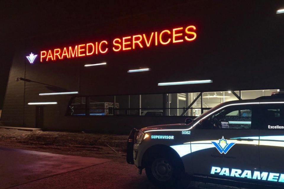 paramedics-wr-row
