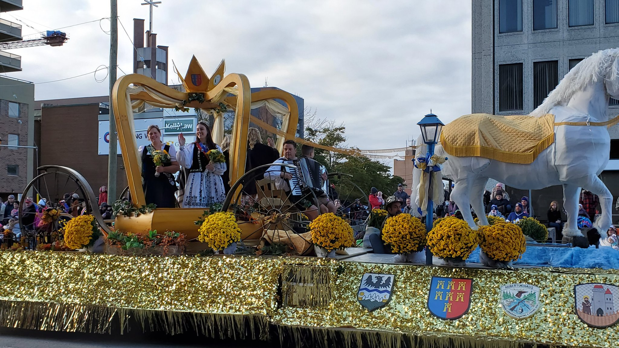 A look at the winning floats from Monday's parade