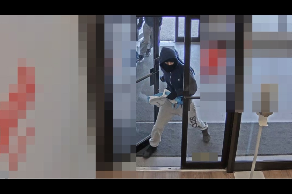 Gas Prices Waterloo >> Police looking for suspects in Saturday bank robbery ...