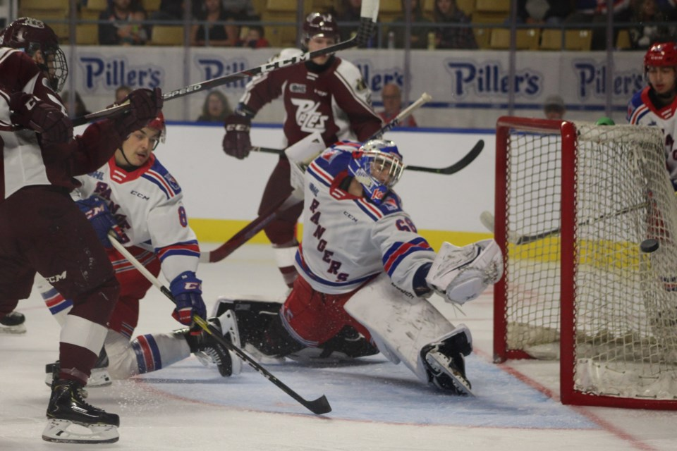 Kitchener Rangers goaltender Jacob Ingham stretches out for a shot.  Mark Pare/KitchenerToday