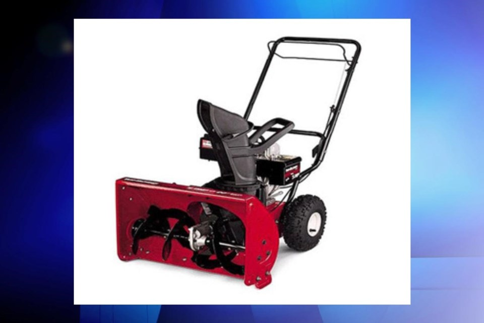 Photo of the YardWorks and Troy-Bilt Snow Thrower from Health Canada.
