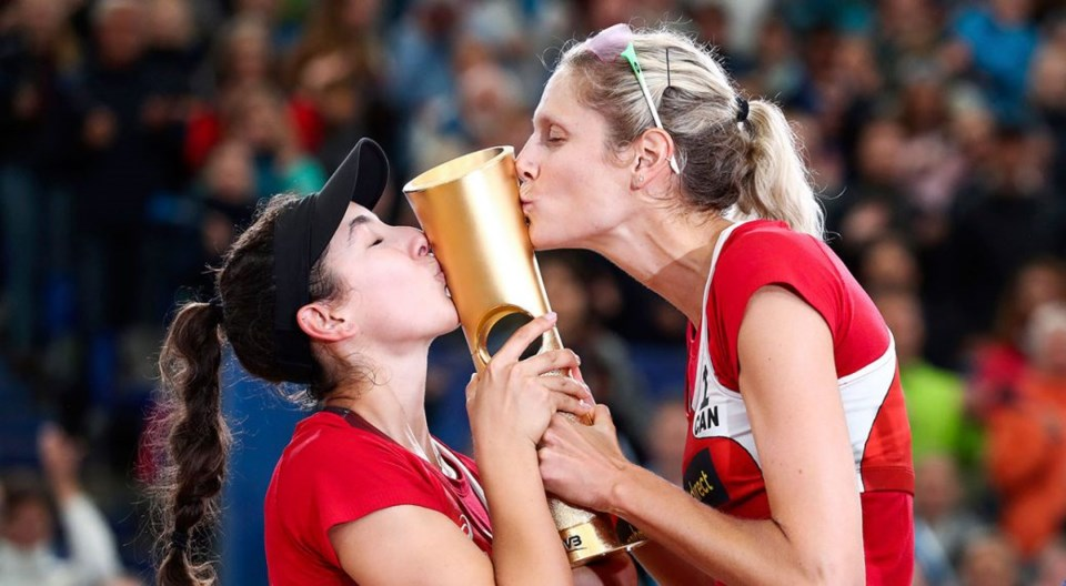 canada-beach-volleyball-gold-1040x572