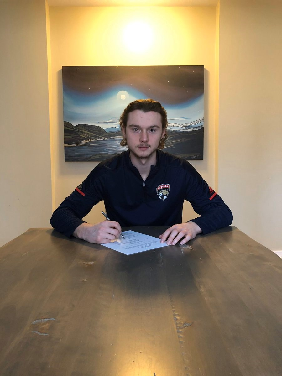 Cole Schwindt signs with Panthers