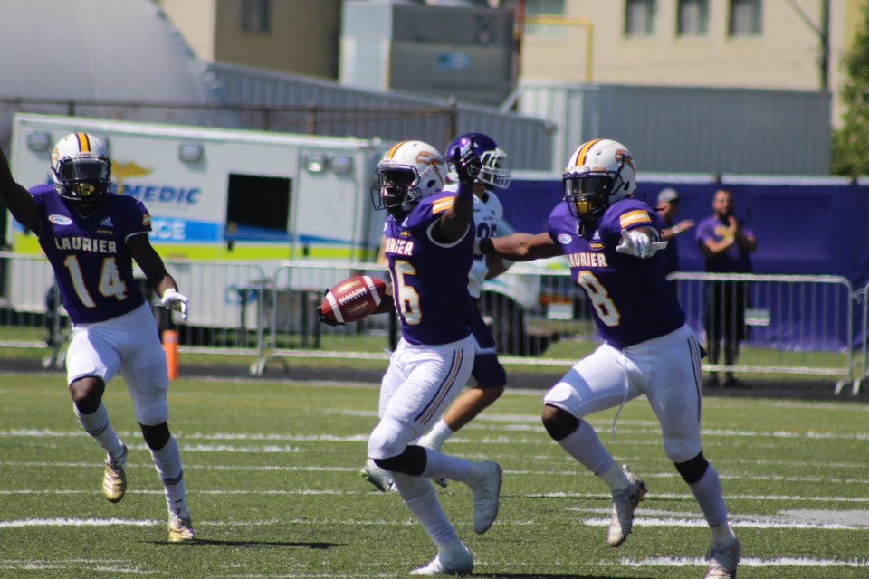 Laurier FBALL Amoah