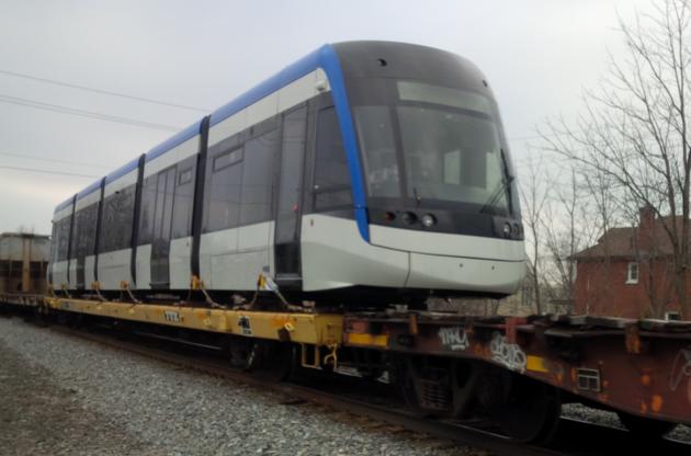LRT vehicle arriving