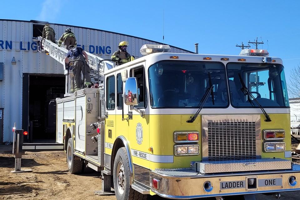 Ladder truck SPFD