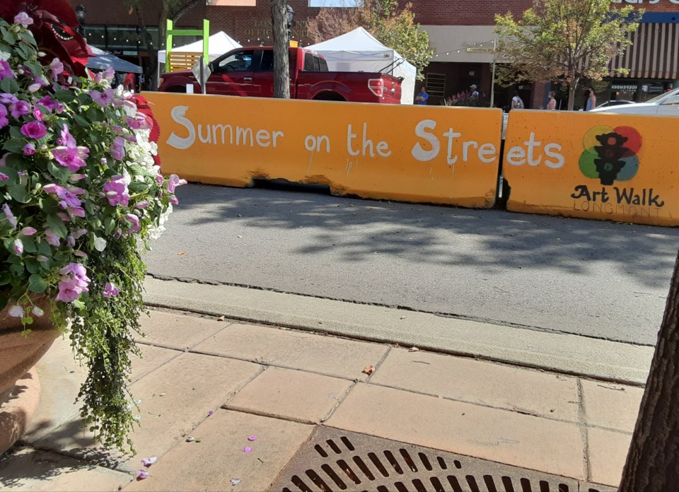2020_09_11_LL_main_street_barricade