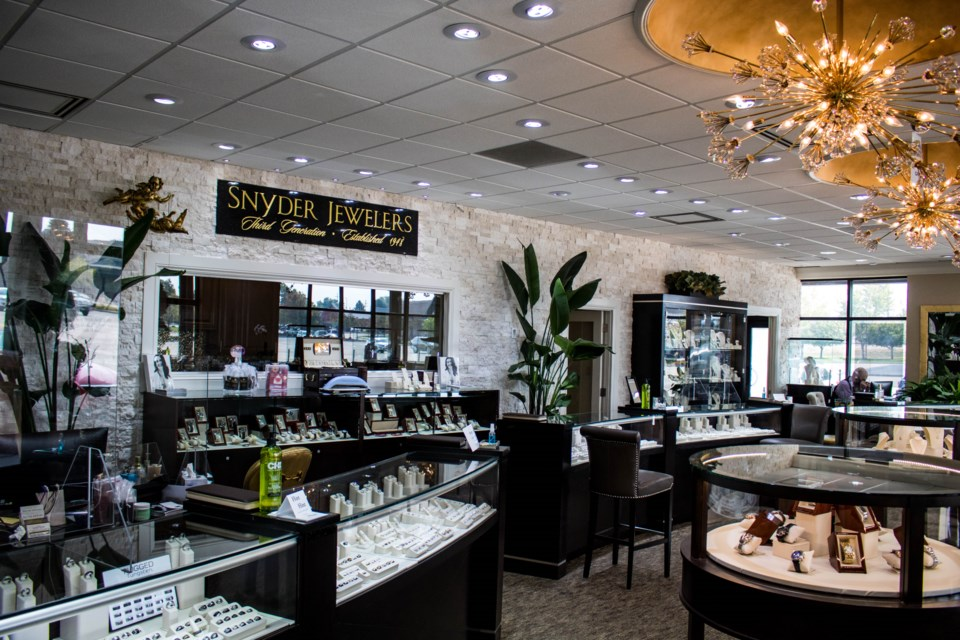 2020_10_05_LL_snyder_jewelers1