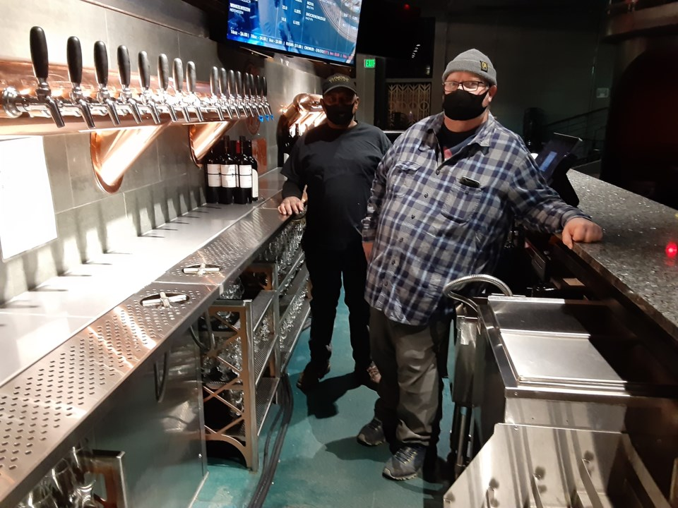 2020_12_06_outworld_brewing1