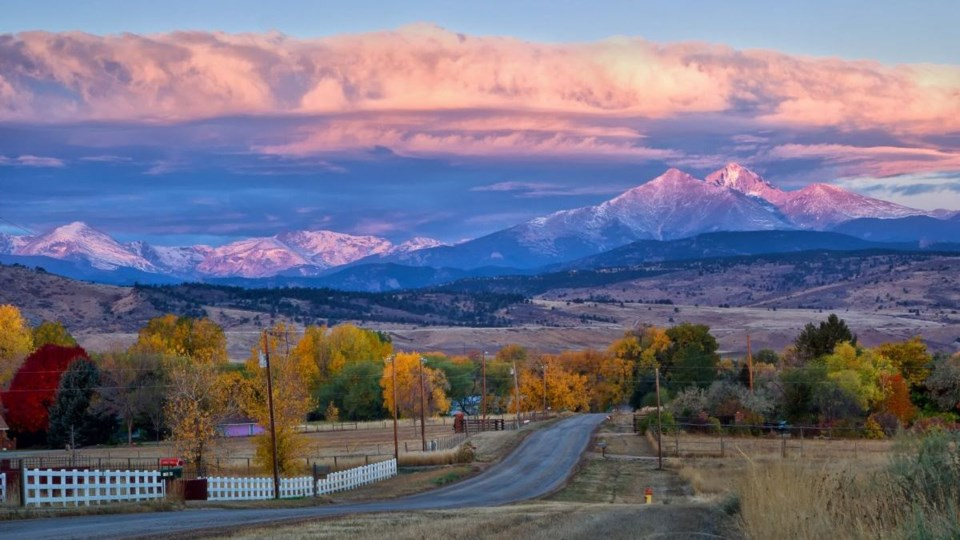 Longmont_mountains
