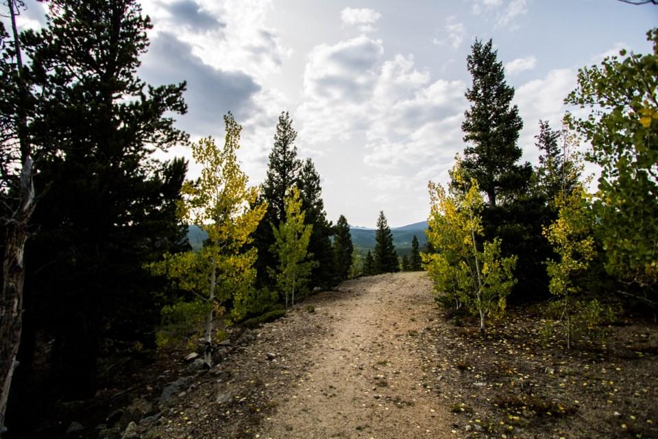 2020_09_17_LL_fall_foliage_Peak_to_ Peak