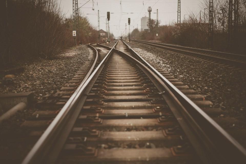 2020_07_23_LL_rail_tracks_stock