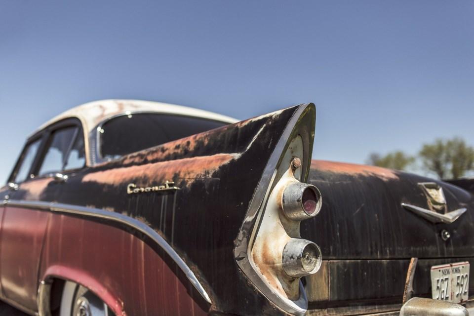 classic-car-362176_1920