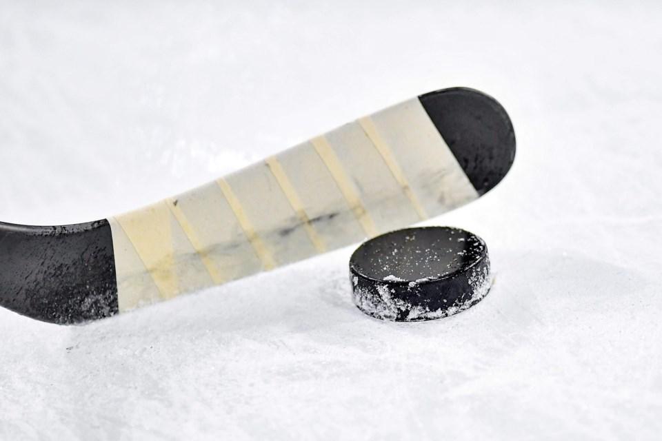ice-hockey-4285440_1920