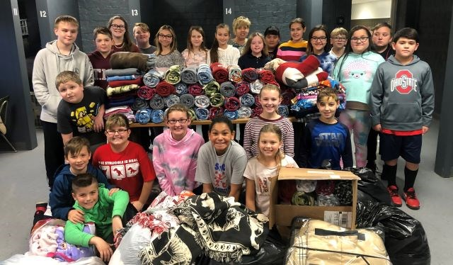Boardman students and blankets 11262019