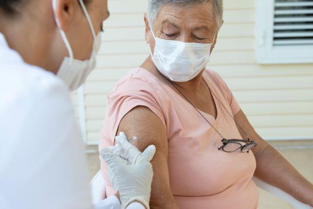 COVID vaccination 04282021