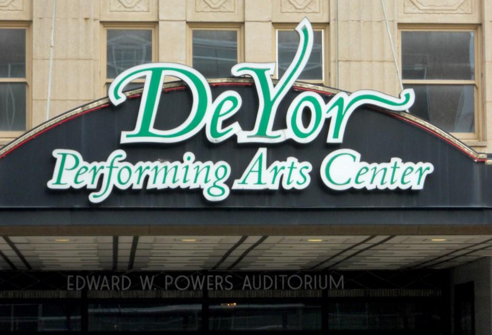 DeYor Performing Arts Center 12152020