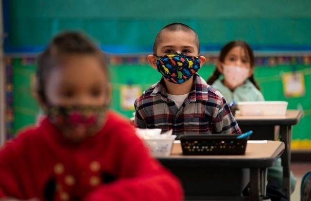 Kids in classroom - masks