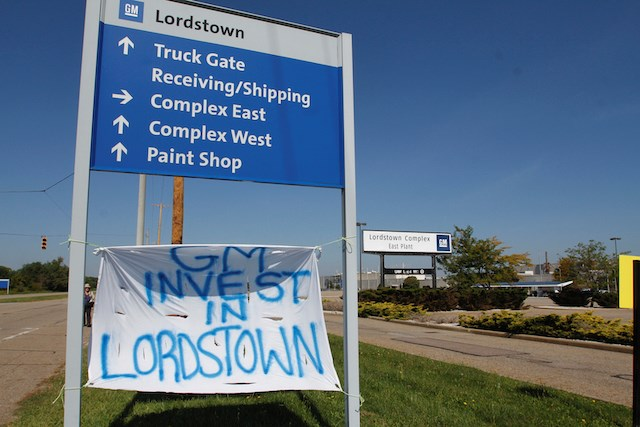 A sign outside of the General Motors Lordstown Assembly Complex on Sept. 20. Photo by Robert K. Yosay