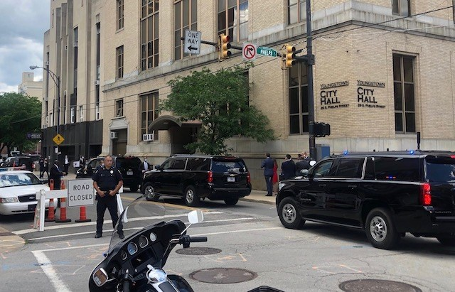 The Vice President's motorcade arrived at about 1:35 p.m. Mike Pence was driven into the City Hall garage. (Jess Hardin/Mahoning Matters)