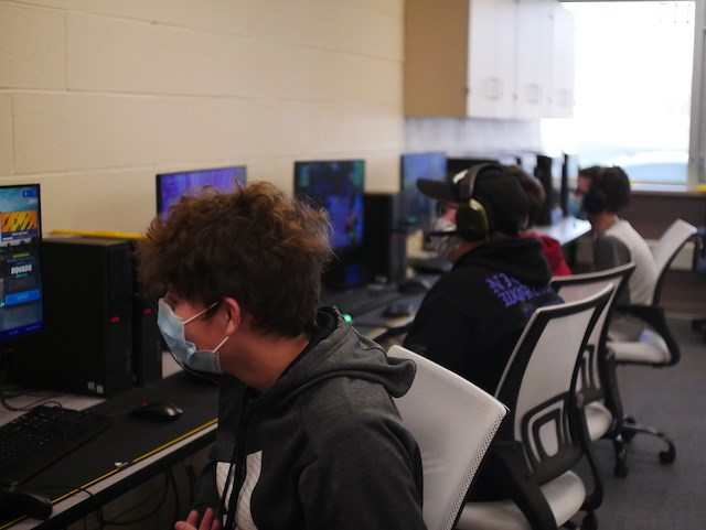 Sebring McKinley High School students participate in esports competitions.