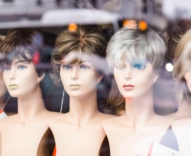 wigs markus-spiske-unsplash (1)
