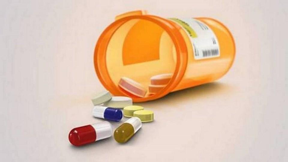 Pill_Bottle_Spilled