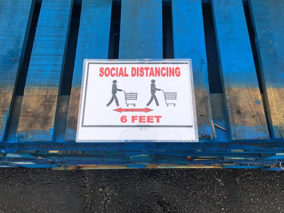 social-distancing-sign