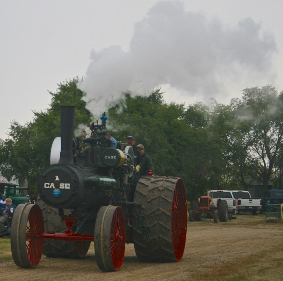 sukanen threshing file tractor ron photo