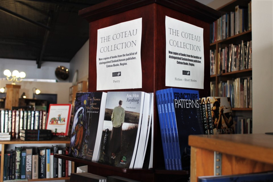 coteau books display