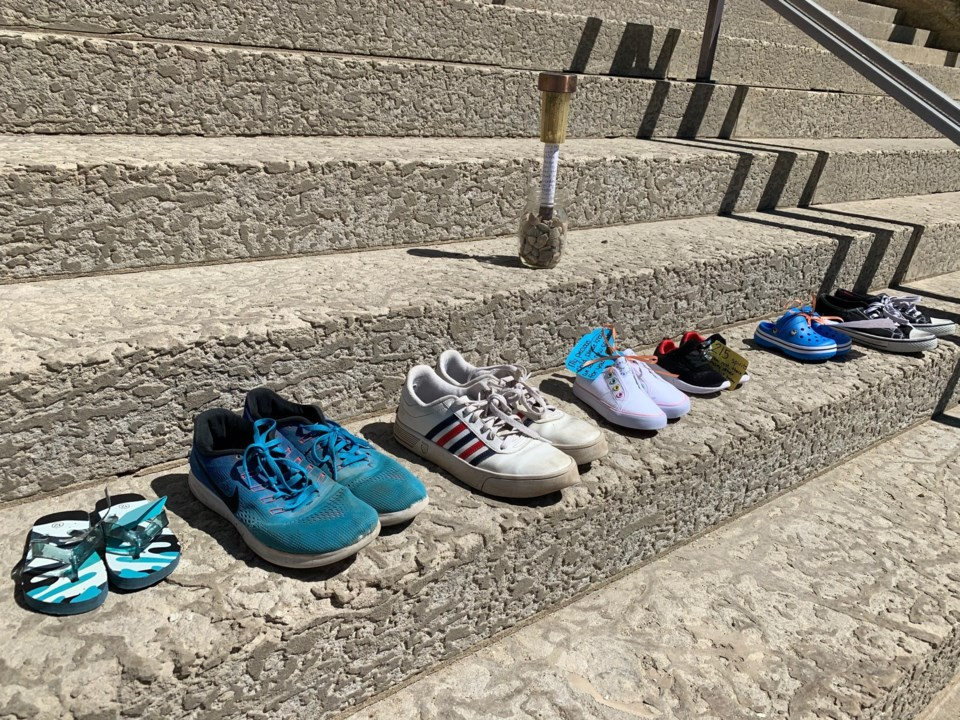 st andrews memorial shoes